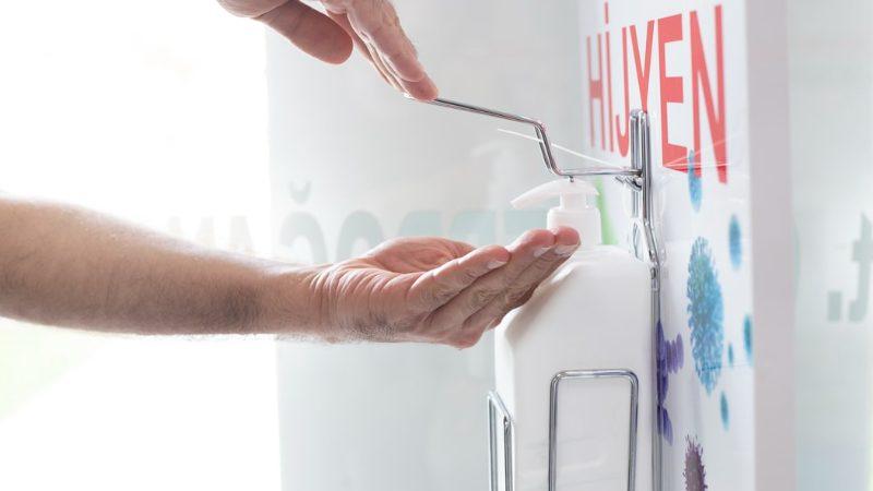 Ako správne umývať ruky? Rozdiel medzi umývaním rúk a ich dezinfekciou